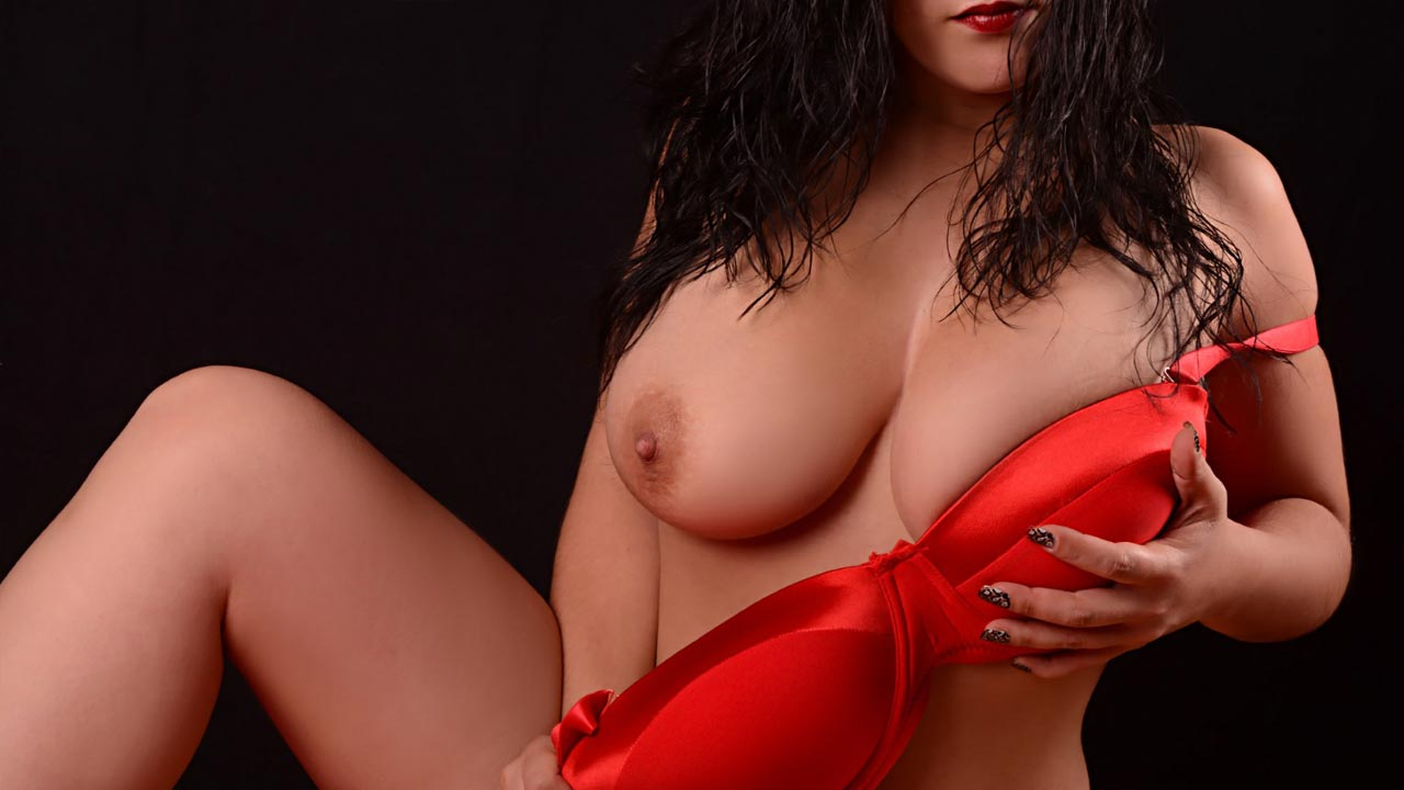 acompanhantes de luxo acompanhantes lisboa Mariana tau tau Portuguesa com mamas de sonho naturais 8